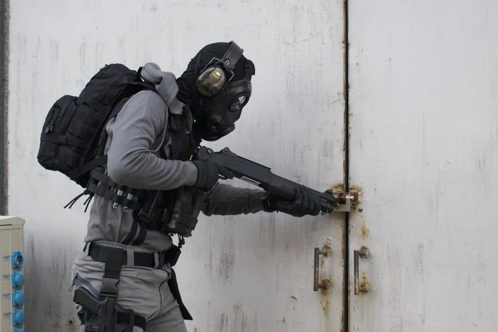 what's the difference between airsoft and real body armors