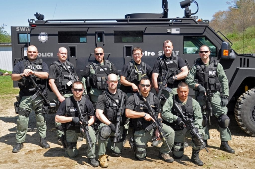 swat loadout - what to wear for your pants